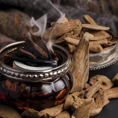 Trầm hương đốt có tốt không? Hướng dẫn cách đốt hương trầm hiệu quả