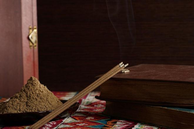 nhang trầm hương không tăm công dụng