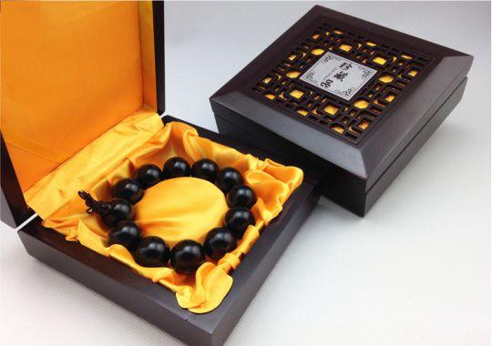 Hộp quà tặng vòng tay trầm hương cao cấp 8-3, 20-10, 14-2
