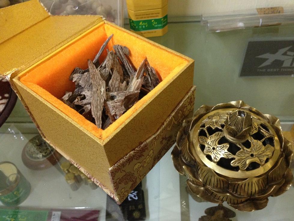 Các món quà lưu niệm quà tặng được làm từ trầm hương