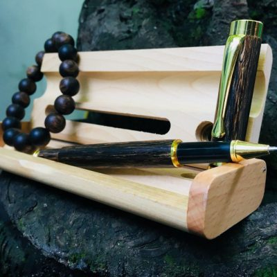 Sản phẩm quà tặng bút được làm từ trầm hương