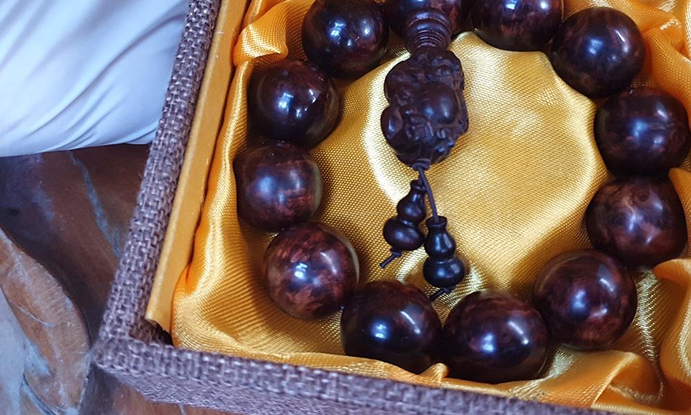 ad Vòng tay phong thủy V02 gỗ Nu Tử Đàn 20 ly 1