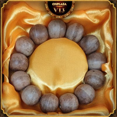 Vòng tay gỗ Trầm Hương cao cấp loại 18 ly V13