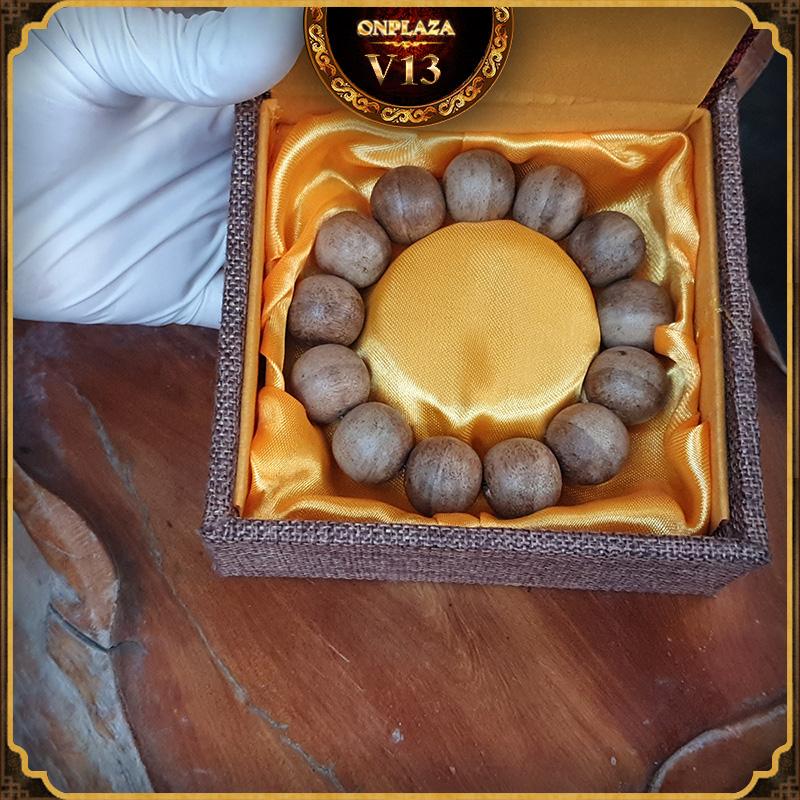 Vòng tay gỗ Trầm Hương cao cấp loại 18 ly V13 1
