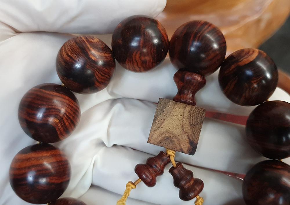 ad Vòng tay phong thủy gỗ Sưa 20 ly V09 2