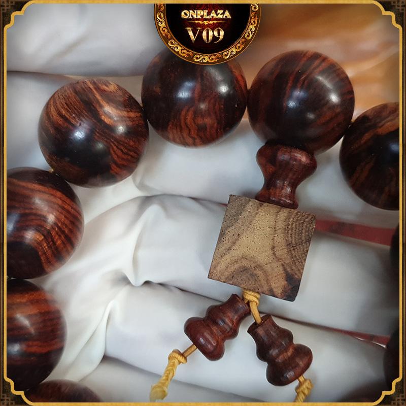 Vòng tay phong thủy gỗ Sưa 20 ly V09 3